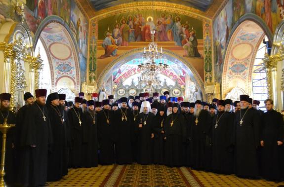 Митрополит Пантелеимон с духовенством подтвердили верность УПЦ.